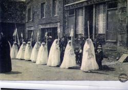 3-la-communion-solennelle-en-1915.jpg