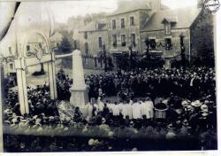 inauguration-du-monument-aux-morts-1921.jpg