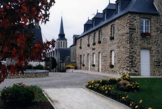 la-mairie-dans-l-ancien-presbytere-depuis-1997-3.jpg